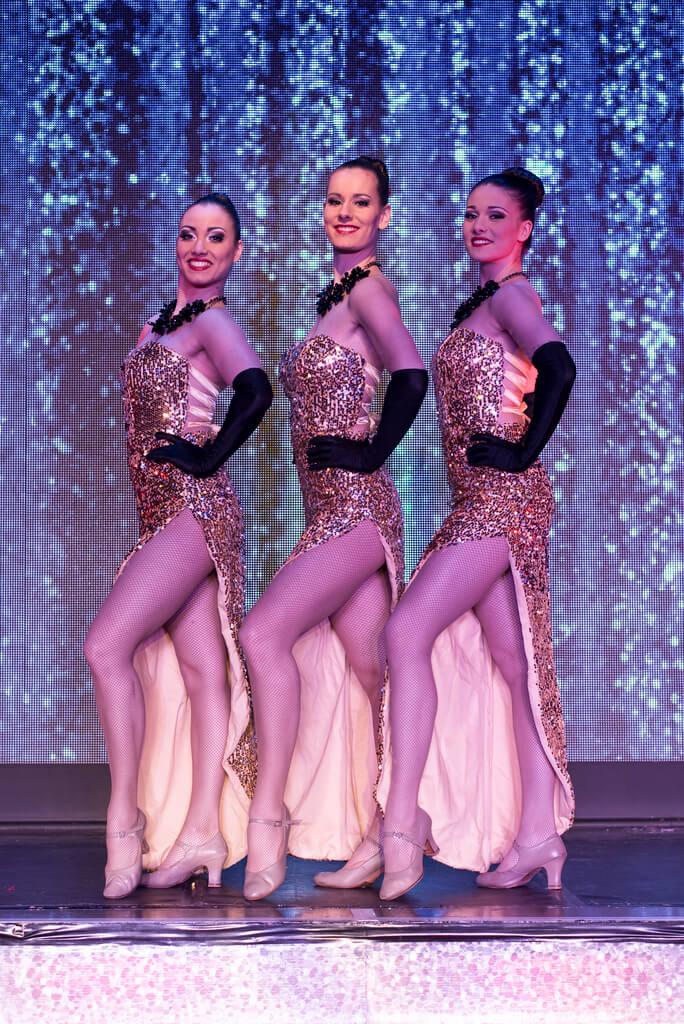 Robes Dorées Fente Spectacle Cabaret Rhone Alpes
